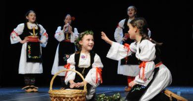 Il primo festival del folklore dei bambini-Прва дечија смотра српског фолклора у Италији